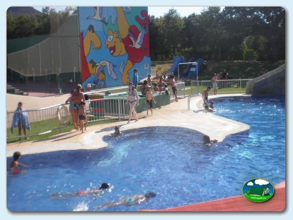 Gu a de ofertas de campings y de establecimientos de for Camping en navarra con piscina