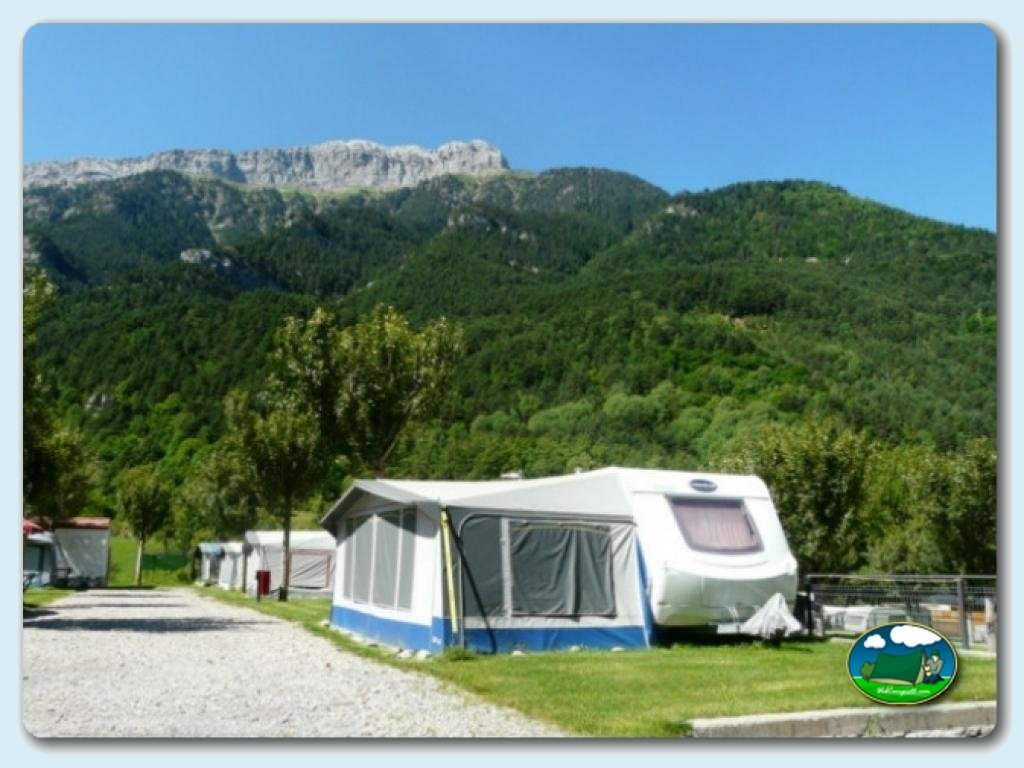 Alojamientos del camping bielsa informaci n y fotos de - Fotos de parcelas ...