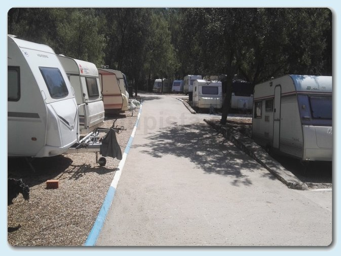 foto del camping Parking Alhambra (Pezuela de las Torres - Madrid)